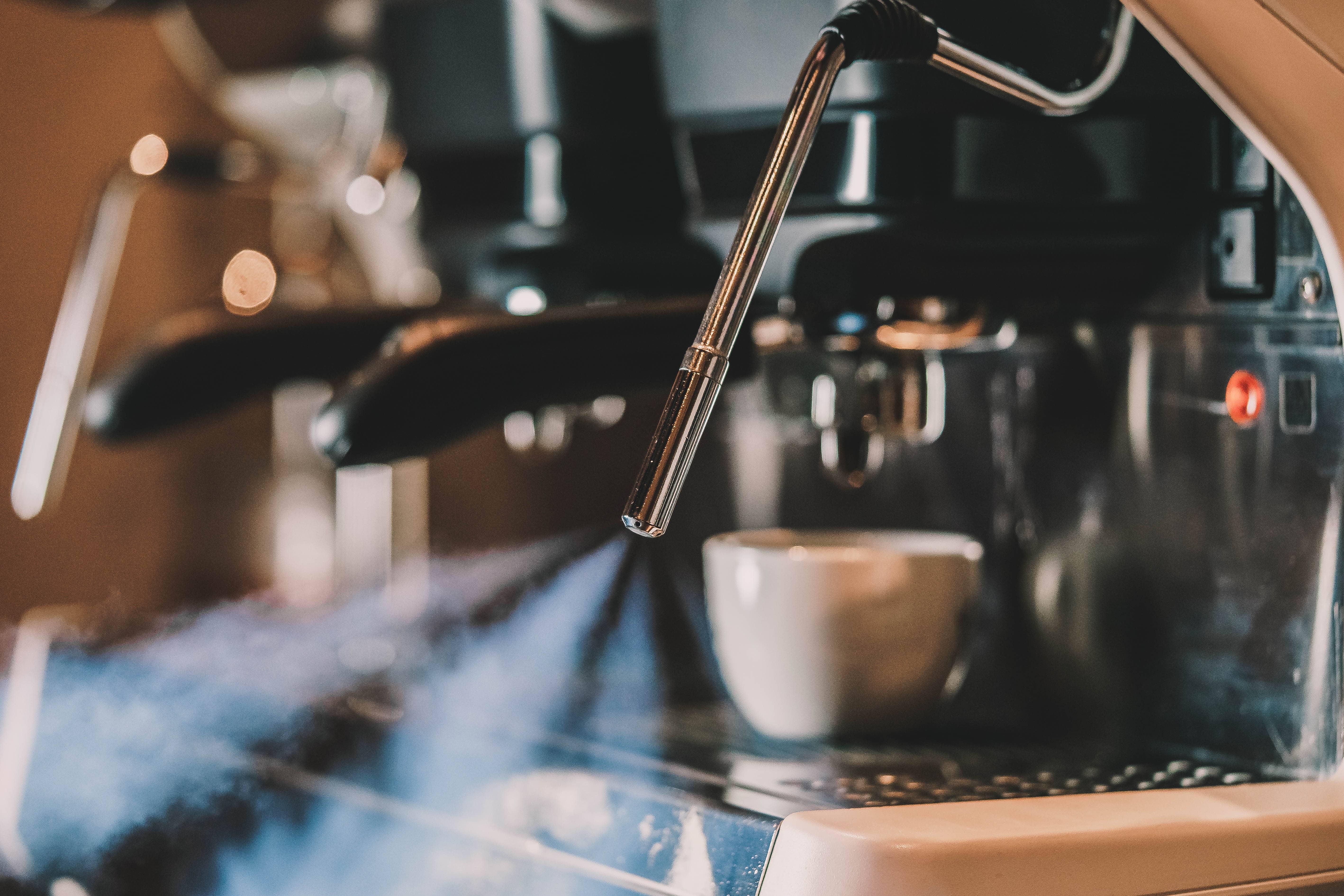 Gustos Barista Classes - Basics of Milk Steaming 5