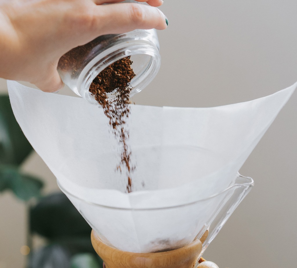 How to Grind Coffee fro Chemex Coffee Maker - Brew Guide Puerto Rico Step 2