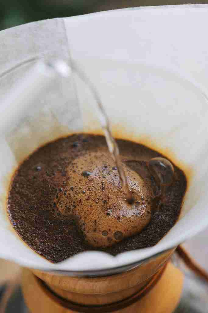 How To Make Chemex Coffee First Pour - Brew Guide